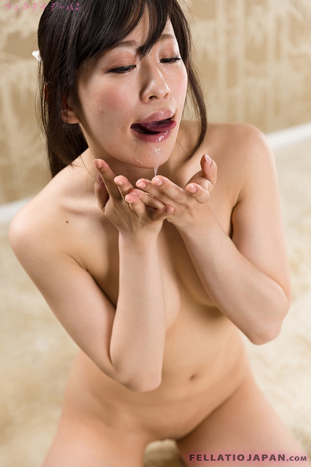 ... 修正フェラ - Photos and Movies of Japanese girls having oral sex: www.blowjobjapan.com/gal/fj128_yui-kyouno/out.html