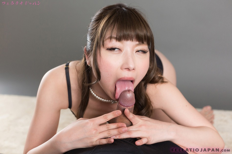 photos and movies of japanese girls having oral sex
