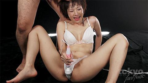 Mizuki loves giving extreme blowjobs that turn into facefucking