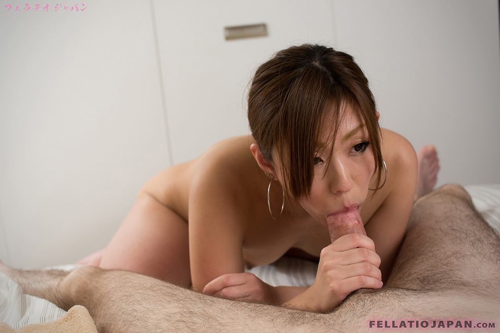Japanese av girl Momoka Mirei loves fellatio and giving best blowjobs